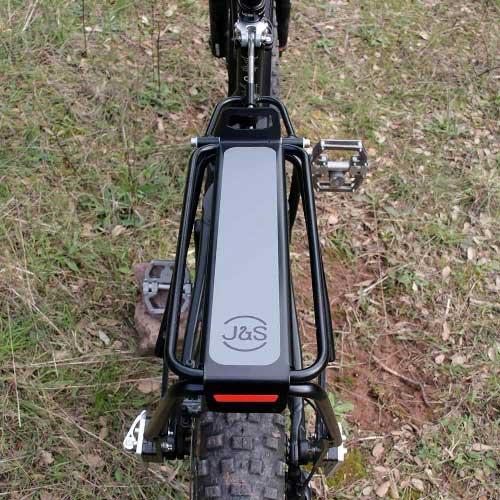 Equipamiento, portabultos ElBurro Rack, alforjas y accesorios para tu ruta cicloturista con tu bicicleta mtb, e-bike o gravel.
